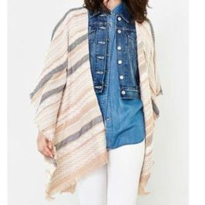 urban outfitters 🌿tan tribal patterned poncho